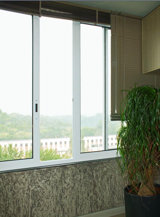 """Системы остекленения балконов и лоджий от компании """"оконный ."""
